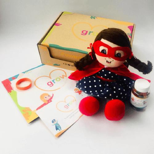 Niña Cabello Castaño - Grow Powerful Kids Box
